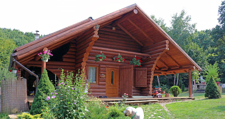 Case din lemn cabane din lemn rotund si busteni aceris for Case de lemn rotund